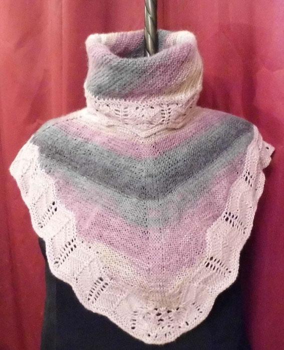 вязаный воротник шарф из остатков пряжи  тепло и уютно вязание, авторская работа
