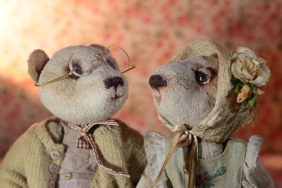 Мишки  Тедди вязание вышивка сумочки для кукол пподарок купить авторская игрушка вышивка лентами