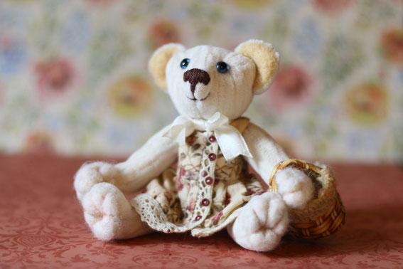 Мишка Тедди игрушка ручной работы Бабушка. Выполнена в классическом стиле плюс валяние вышивка лентами вязание на спицах и крючком. Милый мишка игрушка ручной работы. купить мишку
