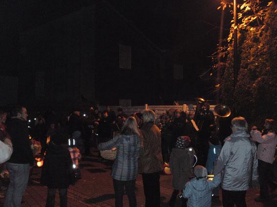 Laternenumzug mit dem St.Josef Kindergarten 11.11.2011