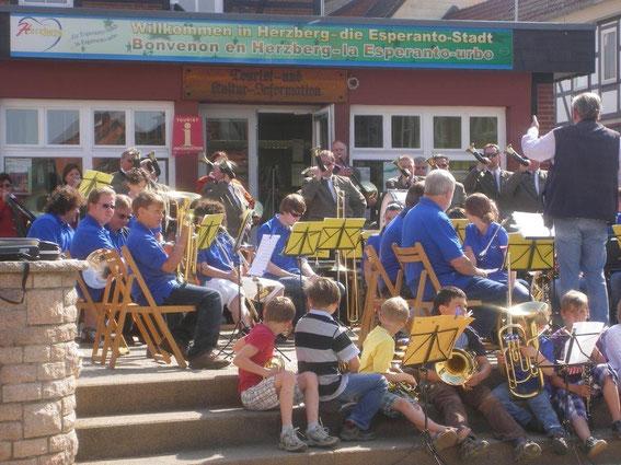 Marktplatz Mai 2011 Jägercorps Kreis Osterode