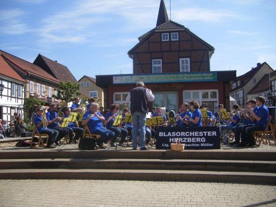 Marktplatz Mai 2011 Blasorchester