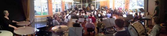 Probe am 15.4.2015 mit 64 Blasorchestermitgliedern und 14 Jagdhornbläsern