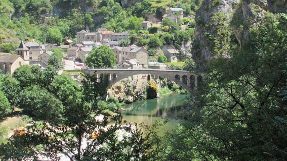 Ste Enimie, site magnifique dans les gorges du Tarn