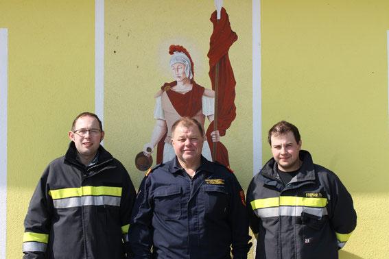 v.l.n.r.: 1. Stellvertreter Franz Setzer jun., Kommandant Reinhard Scheichenberger, 2. Stellvertreter Thomas Stiepani
