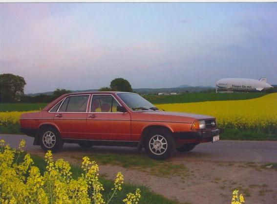 Audi 100 LS von 1978 mit psychedelischer Ausstattung