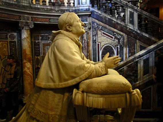 Papstfigur