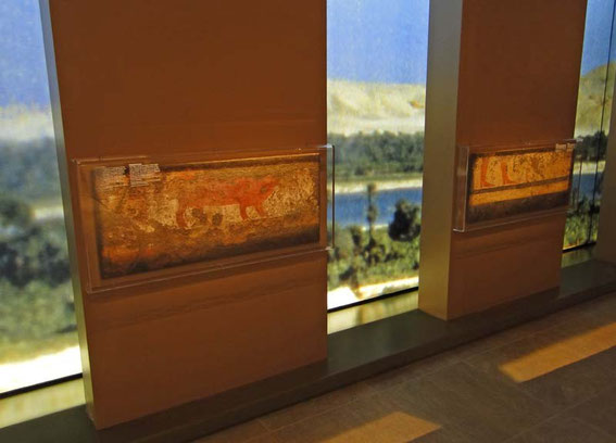One of the eye-catchers in the museum is a 'view' to the Nile between the exhibition objects.
