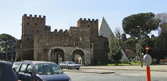 Porta San Paolo with the pyramid of Cestius