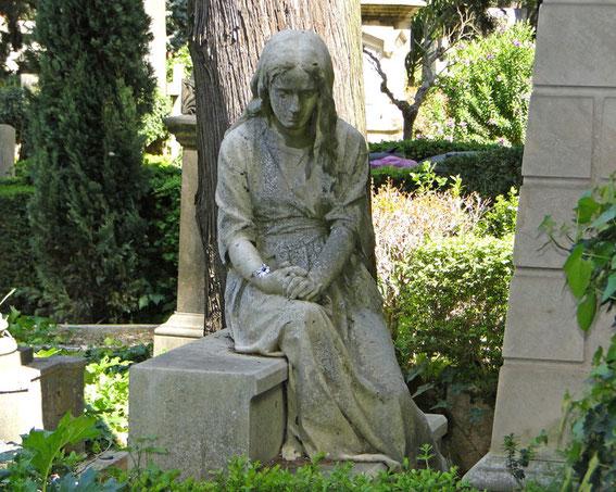 Trauernde aus Stein