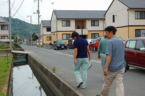 木村興農社 熊田さん、JA担当者、実行委員会で巡回しています