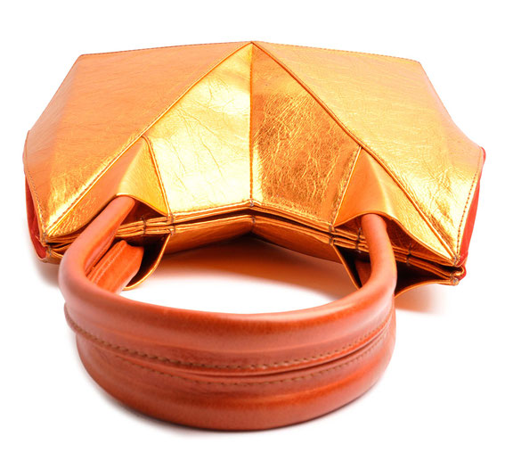 OSTWALD Bags . ORIGAMI . OSTWALD Art Couture Bag.  Tote . Handcrafted Leatherbag in copper, red and cognac. Artbag . Slow fashion. Contemporary Clutch