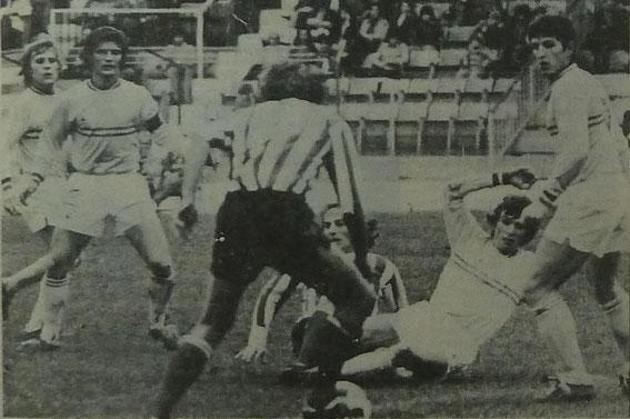 Dortomb et Sansonetti au milieu de la défense Nantaise