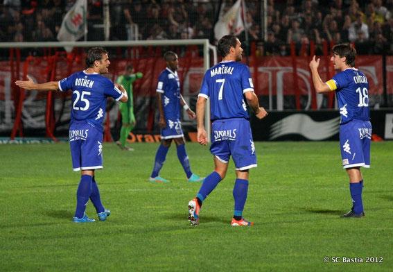 Yannick Cahuzac harangue ses troupes à Nice pour son 200e match avec les turchini