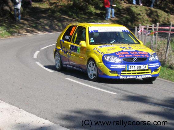 La Citroen Saxo qu'il n'a piloté qu'à une seule reprise, au Tour de Corse en 2006 avec François Buffa