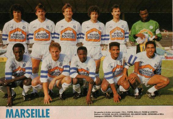 SAISON 87-88 (Photo Mondial)  Claude LOWITZ (GFCA) 4 ème accroupis