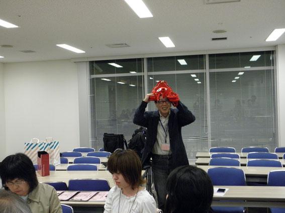 タコ委員長〜でも、ほんとは赤い羽中央共同募金会の偉い人です。