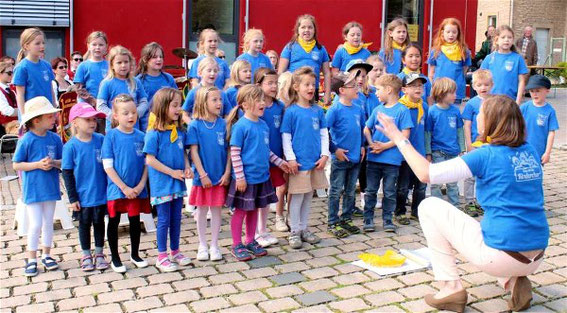 Kinderchor 2015 - Leitung: Petra Herget