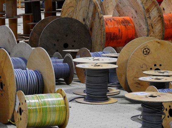 Elektrotechnik: Kabel Leitungen Drähte Deutschland