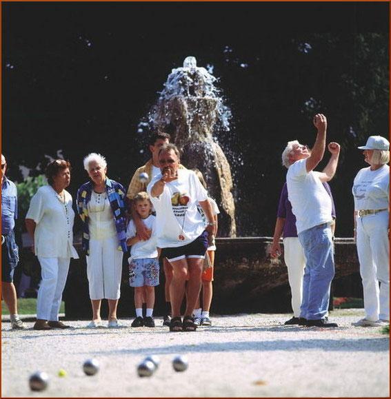 Viele Gäste bei der Stadtmeisterschaft Bad Breisig - Quelle: Tourist-Information Bad Breisig