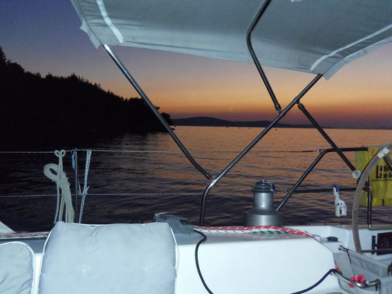 Sonnenuntergang in der Bucht vor Bobovisce (Brac)