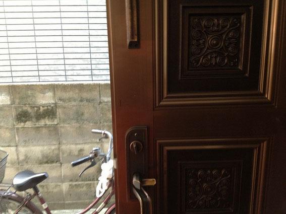 施工前のドア