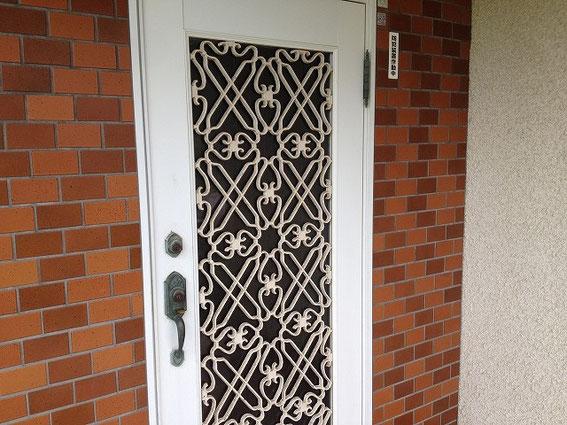 一般的なドアの写真