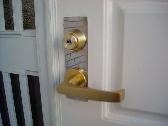 玄関の鍵、交換後