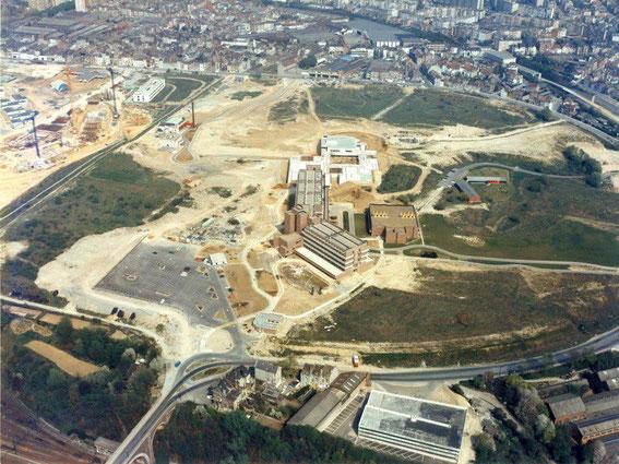 La Plaine sud avec le bâtiment BC et le bâtiment A vers 1970
