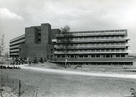 Le bâtiment BC côté ULB au début des années 70