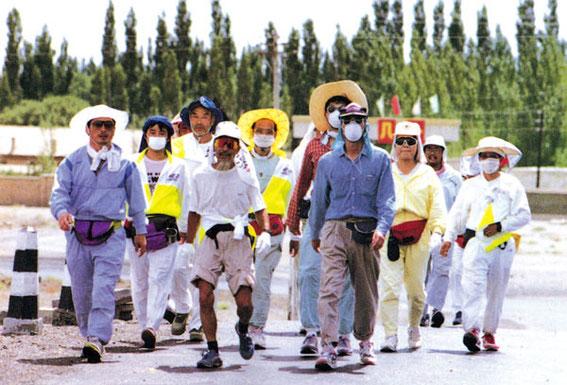 マスクは乾燥を防ぐ対策。奇妙ないでたちに地元民はビックリ