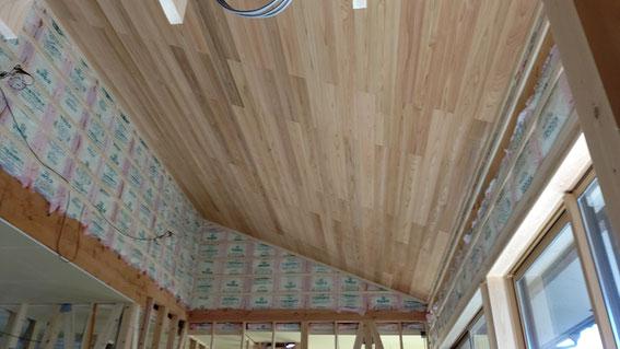 高い勾配天井天井