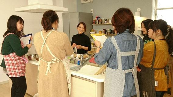 キッチンデザイン、料理教室、キッチンリフォーム
