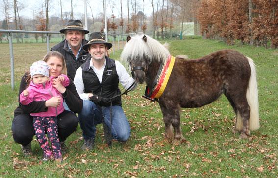 Emily, Sabrina, Georg und Manuel mit Lavender am 15.04.18 in Pfullendorf