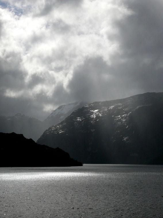 Patagonischer Sommer: Selbst die schlimmste Wetterküche hat ihre Reize (Foto Jörg Schwarz)