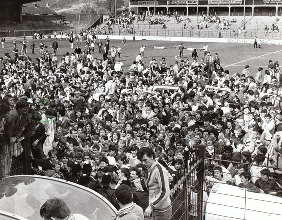 Rovers narrowly miss out on promotion from Division 2 by one point, 1985.