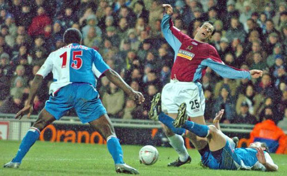 Sunday, 20th February 2005.  FA Cup 5th Round, Burnley 0 - 0 Rovers.  Attendance: 21,468.