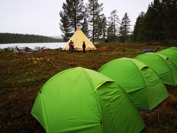 Outdoor- und Aktivurlaub Schweden Lappland - Basiscamp mit Zelten