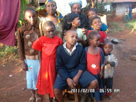 Maalim mit Teil seiner Familie