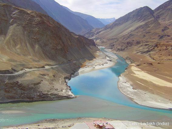 Jonction du Zanskar avec l'Indus auprès de Nyemo