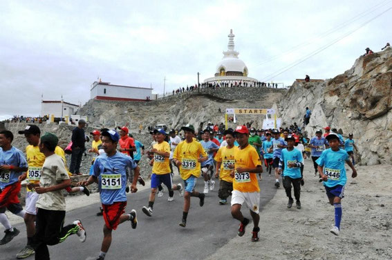 Marathon, Maratona, Maraton, Ladakh, Shanti Stupa, Leh, India, Alchi, Lamayuru, Aryan Valley, Basgo, Diskit, Pangong, Tsomoriri, Tsokar, Manali, Namgyal Tsemo, Spituk, Stakna, Shey, Thiksey, Hemis