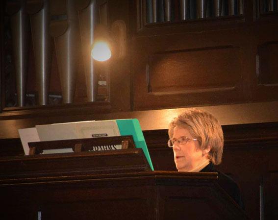 Sarah Soularue, orgue