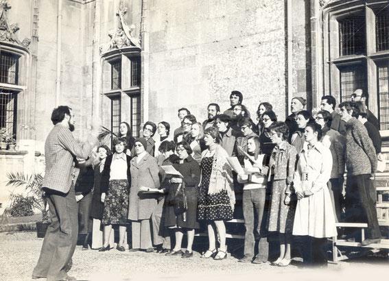 Chorale de la MJC d'Evreux en 1975 (direction Patrick Belliard).