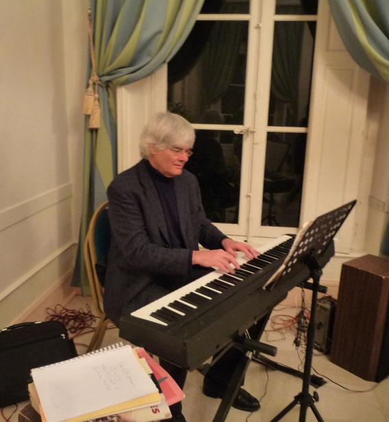 Justice Olsson a brillamment assuré la partie musicale de la soirée.