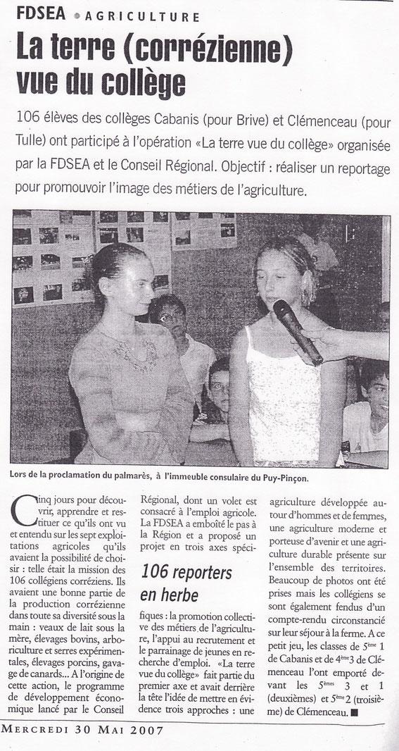 Les élèves de 5°2 de Clémenceau lors de la remise de leur prix départemental