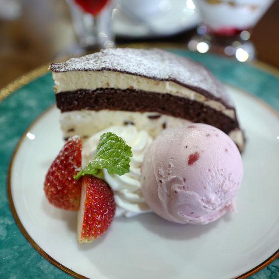 #leicaq2 #アルス・レゾン #高山市#チョコレートケーキ#leica365
