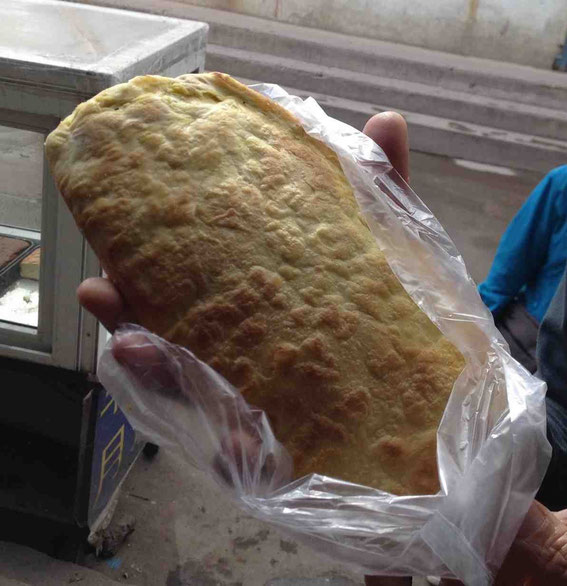 焙子と呼ばれる内モンゴルのパン