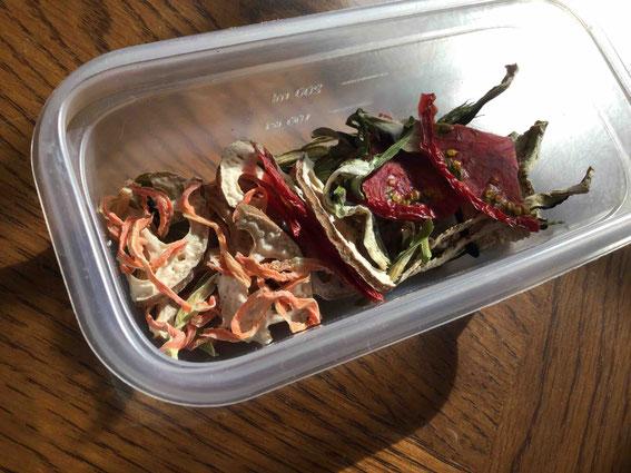 例えばこれはピビンパを作る時の野菜のセット