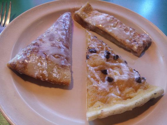 Von links nach rechts: Zimtpizza, Schokoladensplitterpizza und Apfelstrudel