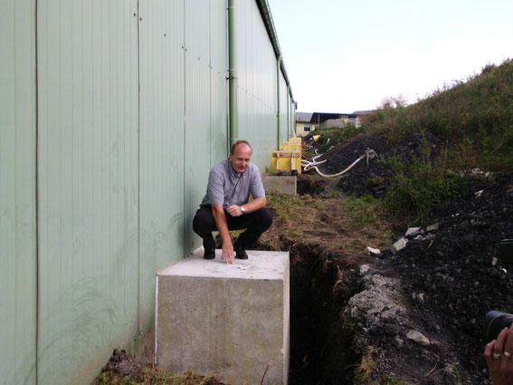 alpincenter-Geschäftsleiter Harold van Kranen stellte die Fundamente vor. Foto: alpincenter